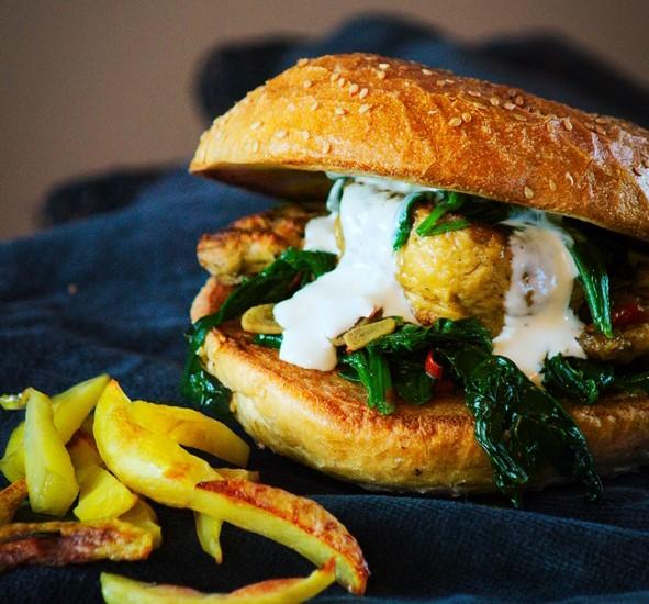 Burgery wegetariańskie z pieczarkami i szpinakiem